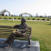 Скульптура Чингиза Айтматова